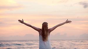 positive-psychologie-dankbarkeit-zufriedenheit-glueckstraining